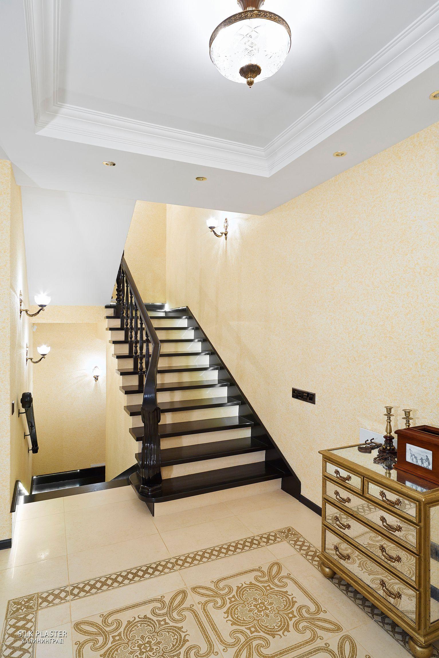 недавно один фото потолков где есть лестница ночью артисты устроили